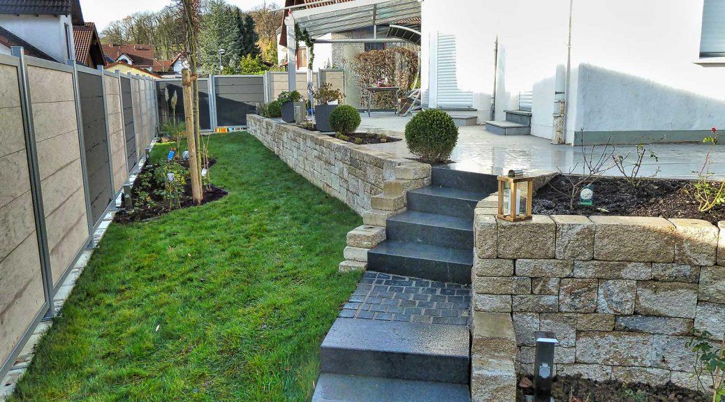 Privater Garten mit Terrasse | Kordes und Kipper